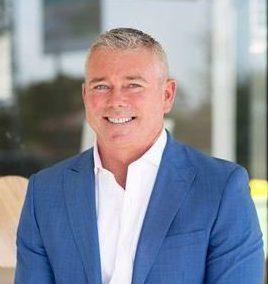 Les images de la caméra de plage ont capturé le moment où Nick Slater a été mutilé par un requin sur la Gold Coast en Australie.