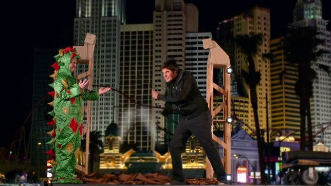 AGT: David Copperfield Helps Piff the Magic Dragon Make Statue of Liberty Disappear AGAIN Picture: AGT METROGRAB