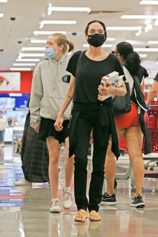 BGUK_1999897 - West Hollywood, CA - *EXCLUSIVE* - Angelina Jolie keeps it low key in an all black look as she stops at Target to do some shopping with her kids on Saturday afternoon. Pictured: Shiloh Jolie-Pitt, Angelina Jolie BACKGRID UK 19 SEPTEMBER 2020 BYLINE MUST READ: OnPoint / BACKGRID UK: +44 208 344 2007 / uksales@backgrid.com USA: +1 310 798 9111 / usasales@backgrid.com *UK Clients - Pictures Containing Children Please Pixelate Face Prior To Publication*