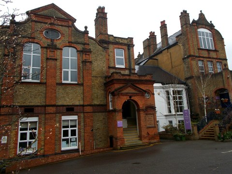 Headteacher 'forced to buy private coronavirus tests' after understaffing fears