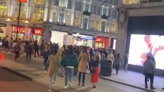 Oxford Circus rammed as everyone attempts to get on Tube at same time due to curfew https://twitter.com/kirstylewis6/status/1309244883023126530