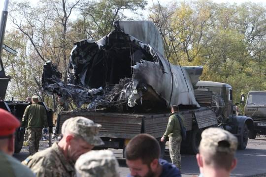 Épave de l'avion militaire An-26 qui s'est écrasé.