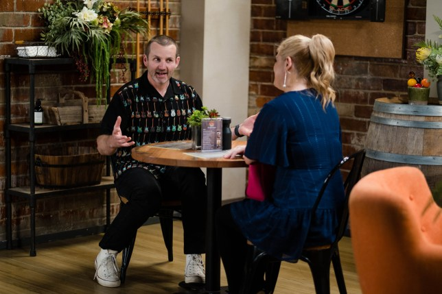 Toadie and Rose in Neighbours