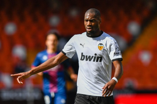 Geoffrey Kondogbia Valencia CF v SD Huesca - La Liga Santander