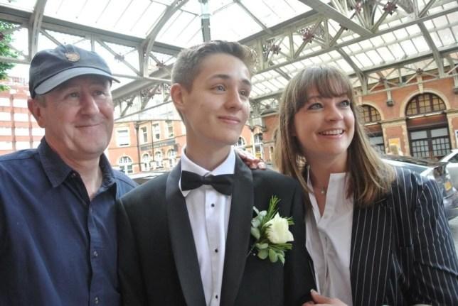 Nicholas Lyndhurst releases statement over death of son Archie, 19 | Metro  News