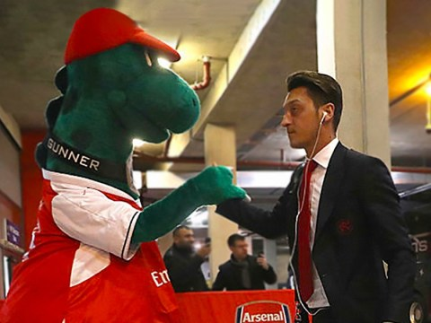 Arsenal respond to Mesut Ozil's incredible Gunnersaurus offer