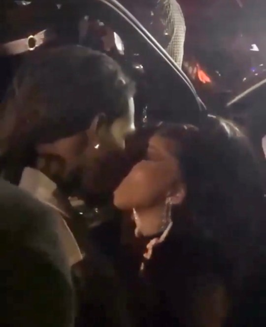 Cardi B and Offset kissing
