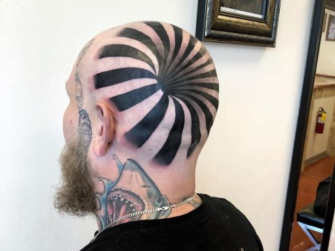 Incredible optical illusion tattoo makes it look like man has a hole in his head