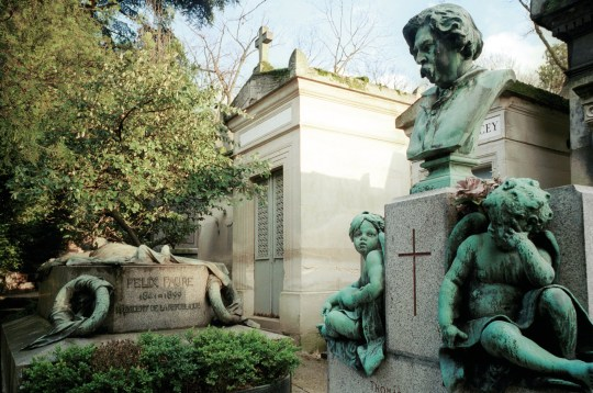 Tombs at Pere-Lachaise