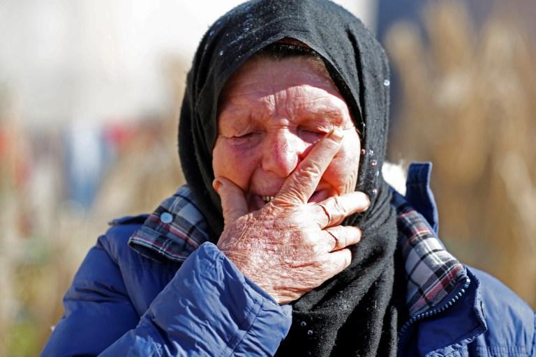Gamra, la mère de Brahim Aouissaoui, soupçonnée d'avoir perpétré l'attentat de jeudi à Nice, France, réagit chez elle à Thina, banlieue de Sfax, Tunisie, le 30 octobre 2020. REUTERS / Zoubeir Souissi