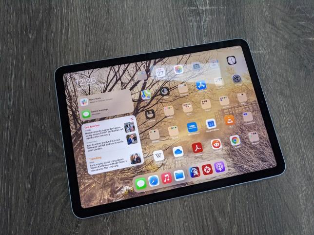 The iPad Air 2020 on a table