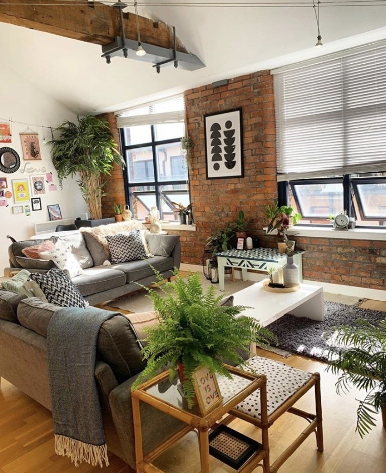 what i rent: Cara and Nat, new islington, manchester - the living room
