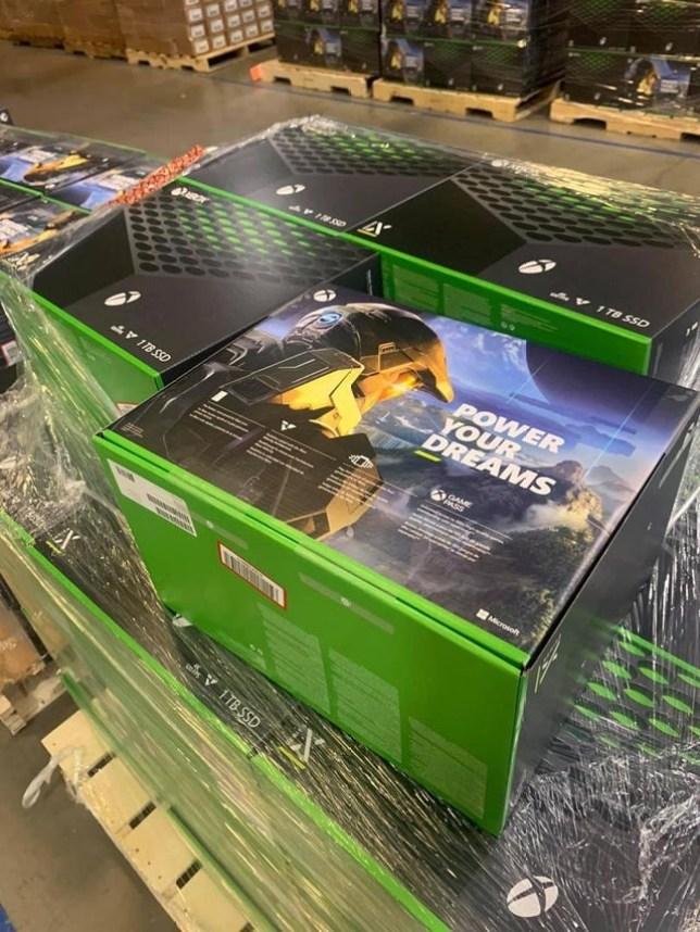 Xbox Series X packaging box