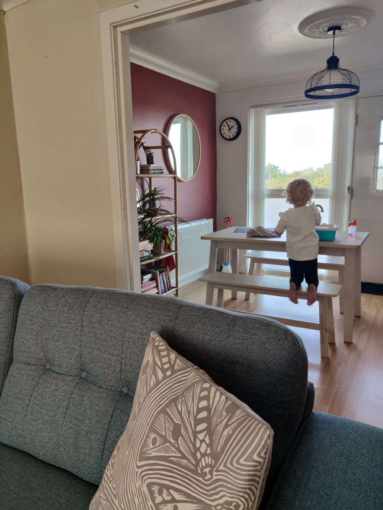 What I Rent: Megan, Falkirk - the dining area by the living room