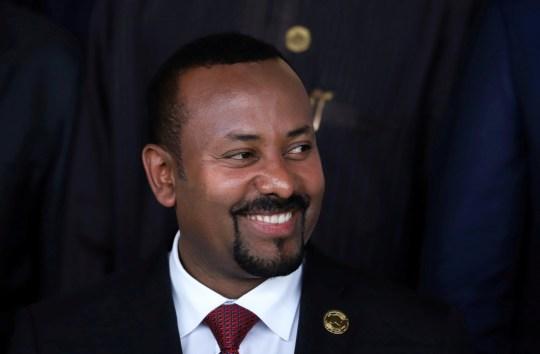 FILE PHOTO: Le Premier ministre éthiopien Abiy Ahmed pose pour une photo lors de l'ouverture de la 33e session ordinaire de l'Assemblée des chefs d'État et du gouvernement de l'Union africaine (UA) à Addis-Abeba, en Éthiopie, le 9 février 2020. REUTERS / Tiksa Negeri / Fichier photo