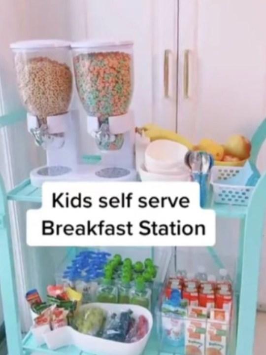 Mum makes breakfast bar for kids