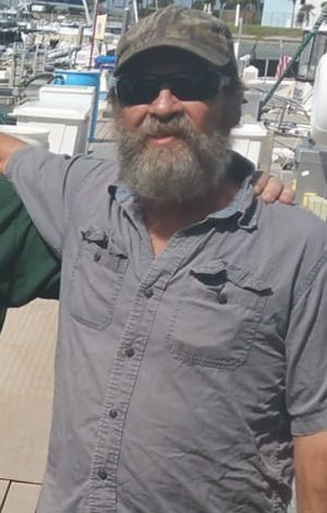 8999883 Missing man is found alive clinging to his capsized boat 86 miles off the coast of Florida https://www.facebook.com/USCoastGuardSoutheast/