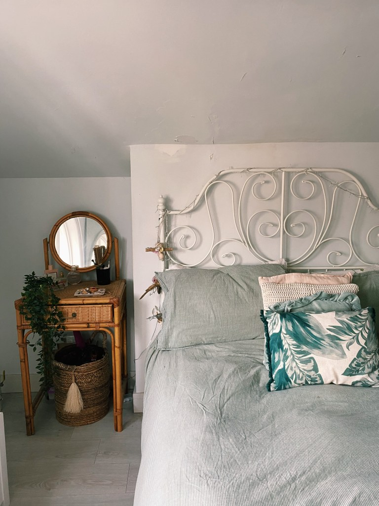 What I Rent: Rosie, Southsea - the bedroom