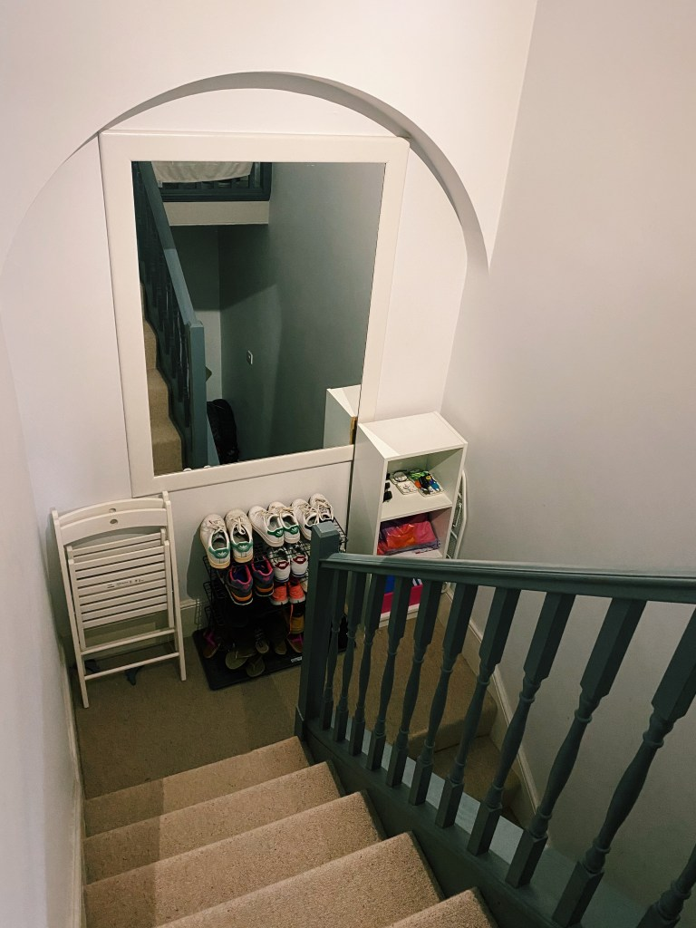 What I Rent: Rosie, Southsea - hallway stairs