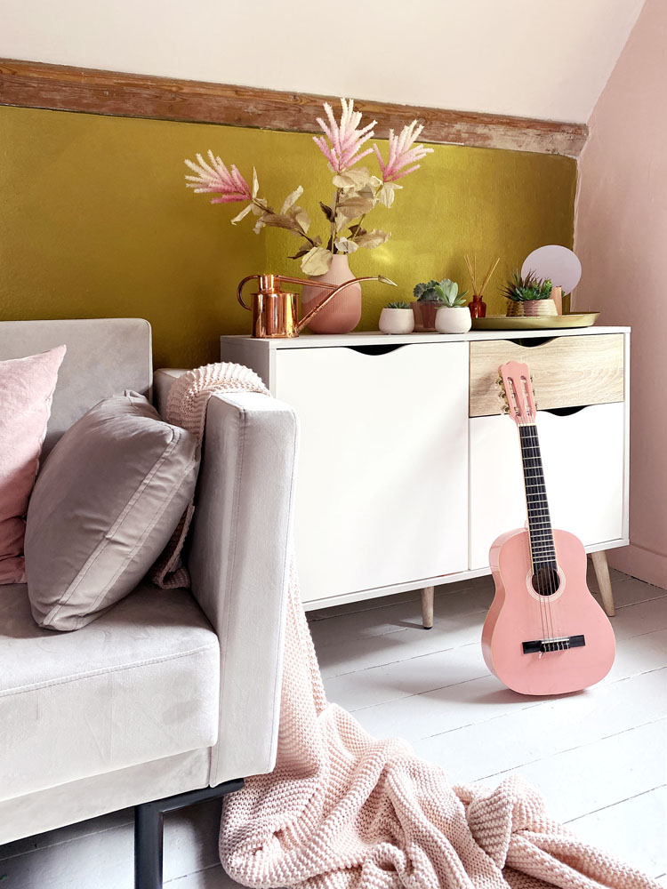 What I Rent: Anna, Crystal Palace - pink guitar next to watering can and sofa