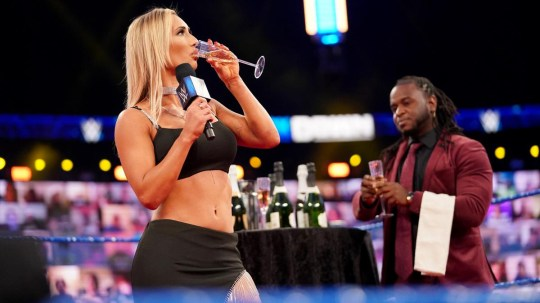 Superstar WWE Carmella di Smackdown