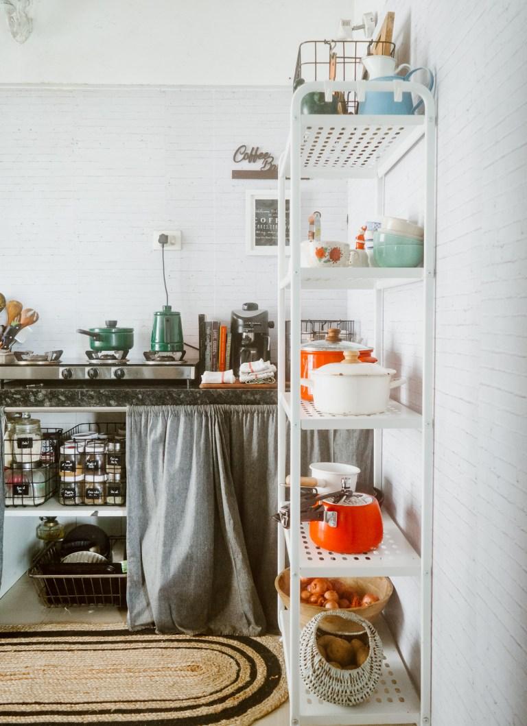 What I Rent: Rukmini, one-bedroom apartment in Mumbai - kitchen