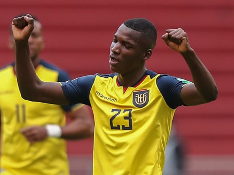 Manchester United begin talks to sign Ecuadorian midfielder Moises Caicedo