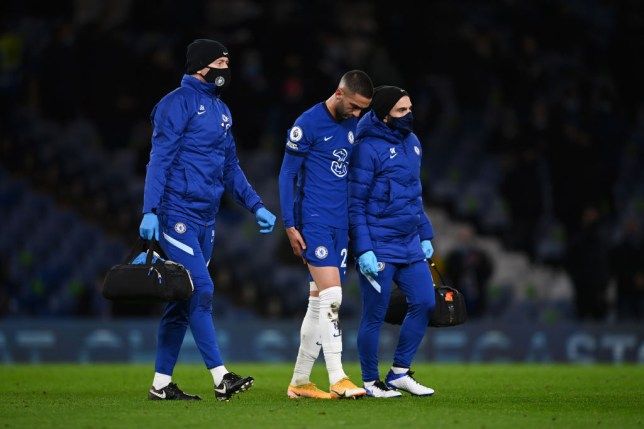 Hakim Ziyech walking off the pitch with an injury during Chelsea's victory over Leeds United