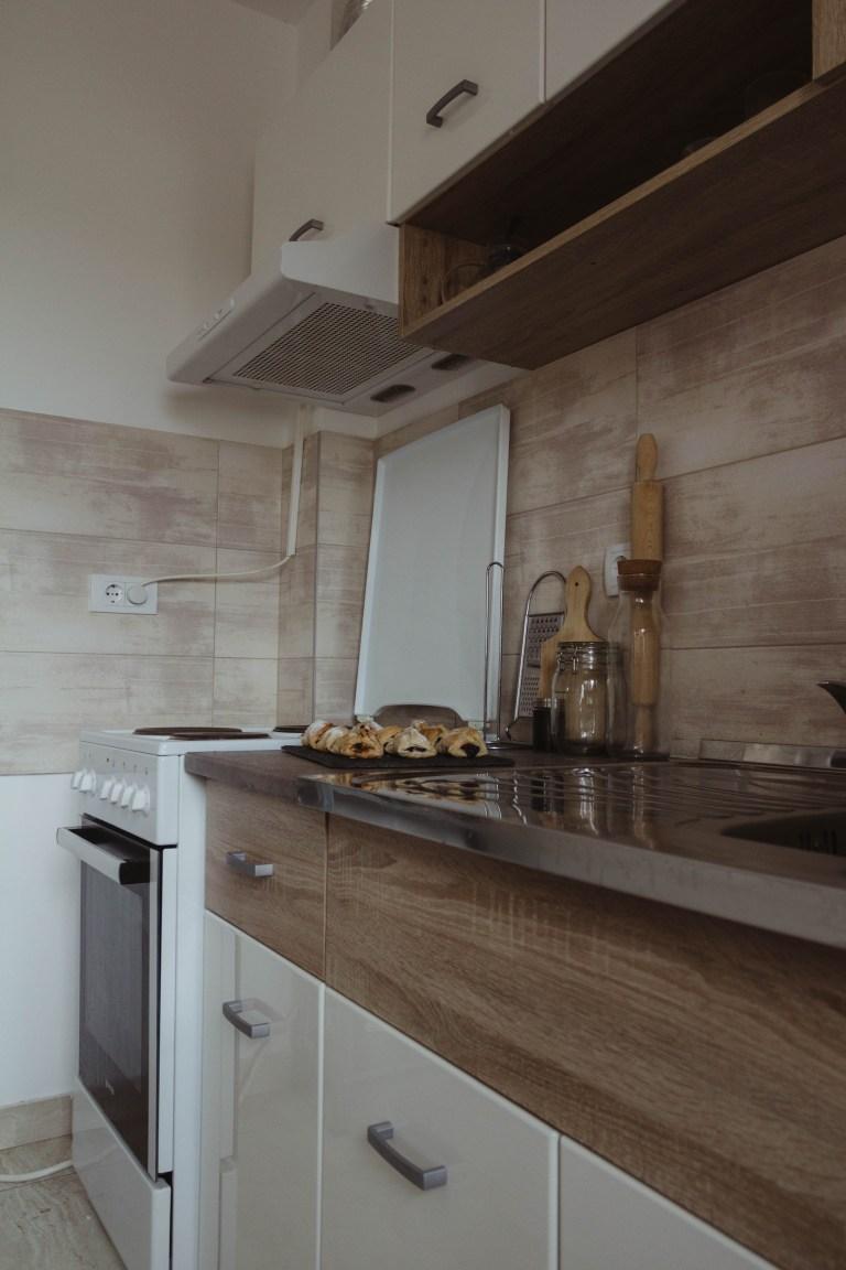 what I Rent: Dario, Belgrade, Serbia - the kitchen