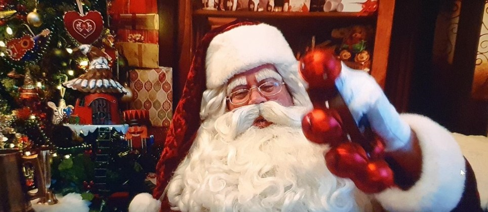 Joseph Ridgely as Santa
