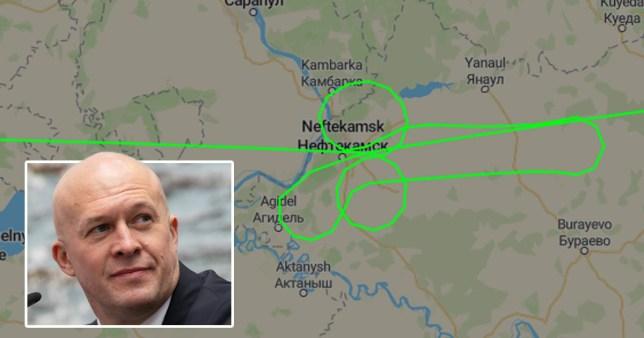 Le patron de la compagnie aérienne russe `` limogé '' après qu'un avion a retrouvé un pénis géant dans le ciel