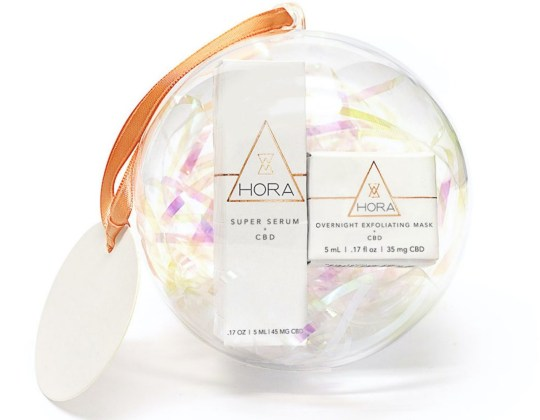 Hora Holiday Beauty Bauble set