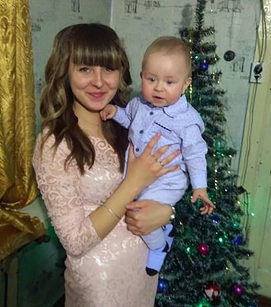 Dima avec sa mère Maria