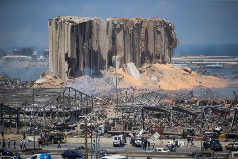 Histoires de 2020: survivre à l'explosion de Beyrouth.  Clara.  Tom Williams BEYROUTH, LIBAN - 5 AOÛT: Les bâtiments détruits sont visibles un jour après une explosion massive survenue dans le port le 5 août 2020 à Beyrouth, au Liban.  Mercredi matin, plus de 100 personnes ont été confirmées mortes, avec des milliers de blessés, lorsqu'une explosion a secoué la capitale libanaise.  Des responsables ont déclaré qu'un entrepôt au bord de l'eau stockant des matériaux explosifs, soit 2 700 tonnes de nitrate d'ammonium, était la cause de l'explosion.  (Photo par Daniel Carde / Getty Images)