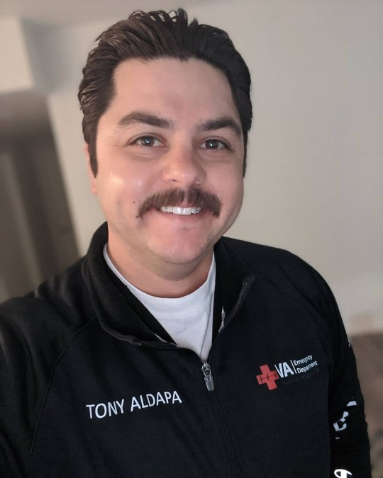 Tony Aldapa 9071655 Photos from passengers onboard United fight from Orland to LA on which a man who had 'clear' COVID symptoms DIED show complete chaos among passengers as as airline works to track down the 179 passengers