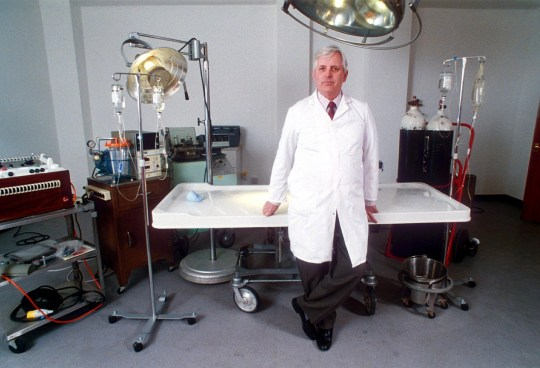 Mandatory Credit: Photo by REX (213458a) OPERATING THEATRE CRYONICS CENTRE RUN BY ALAN SINCLAIR - APR 1993