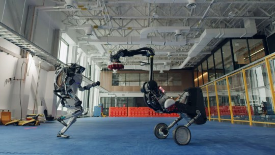 Boston Dynamics robots dancing