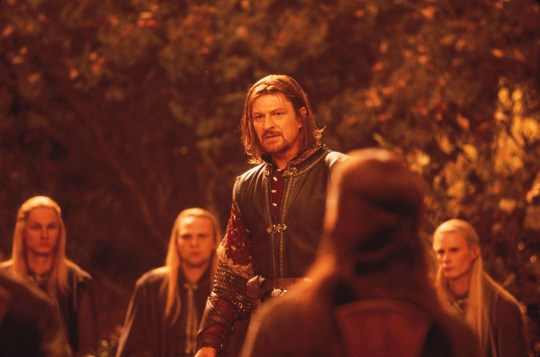 ACTOR SEAN BEAN IN SCENE FROM THE LORD OF THE RINGS THE FELLOWSHIP OF THE RING (2001) The film received four Golden Globe nominations, including Best Drama Motion Picture, in Beverly Hills, California December 20, 2001. The Golden Globe Awards will be presented in Beverly Hills January 20, 2002.