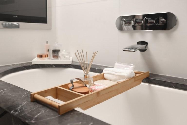 tray on bathtub