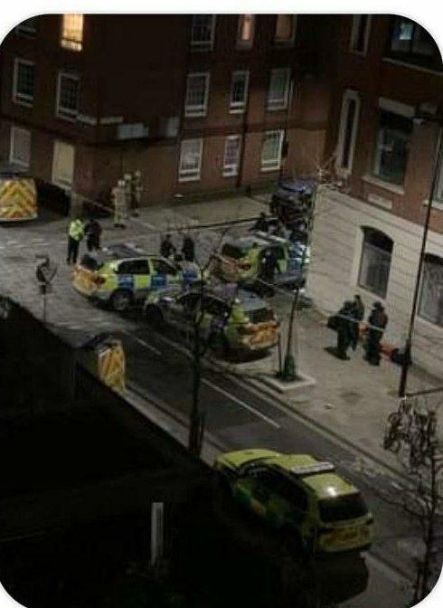 Police declare major incident in SE1, London. Great Dover Street, Tabard Street. (Picture: @CrimeLdn)