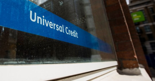 MPs vote in favour of extending £20 weekly Universal Credit increase