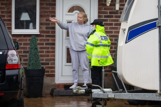 MERCURY PRESS. Gtr Manchester, UK. 20.1.21. Pictured: Police advising local residents to evacuate the area around the River Mersey in Didsbury, Greater Manchester this afternoon where a red flood warning has been issued.