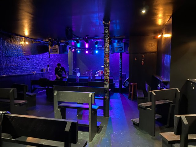 Venue now with covid secure seating-fd32