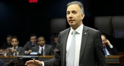 Líder do governo na Câmara minimiza impacto da greve geral nas reformas: 'Não atrapalha'