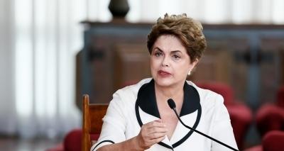 Dilma critica condenação de Lula: 'é um escárnio'