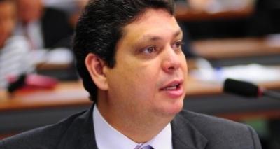 Lula recebeu notícia com serenidade do inocente, diz vice-presidente do PT sobre condenação