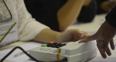 Cadastramento de biometria já detectou 25 mil títulos de eleitor duplicados