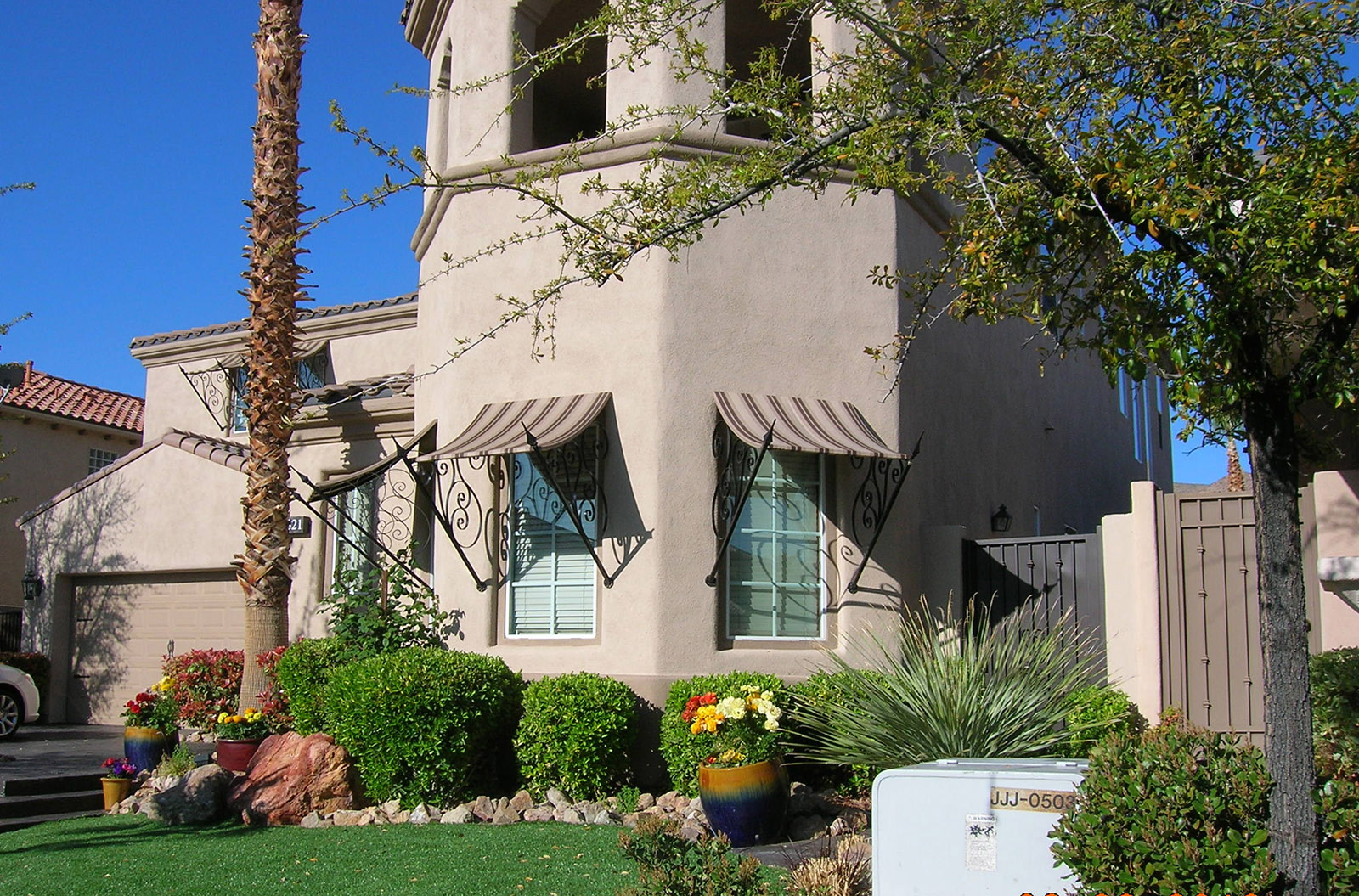 Residential Awning Systems Fabricated in Las Vegas, Nevada - Metro Awnings