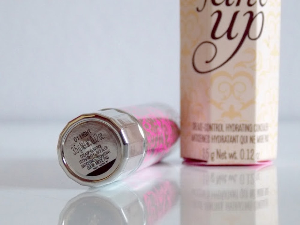 FAKE UP, L'ANTI CERNES HYDRATANT & INNOVANT DE BENEFIT