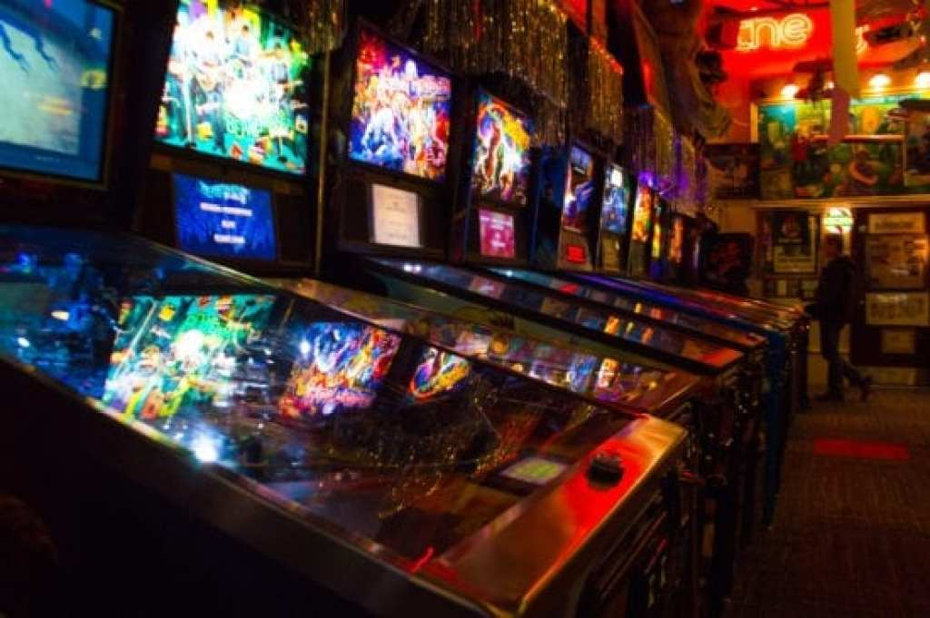Marvin's Marvelous Mechanical Museum pinball games